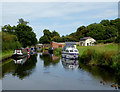 SO8798 : Staffordshire and Worcestershire Canal at Castlecroft, Wolverhampton by Roger  Kidd