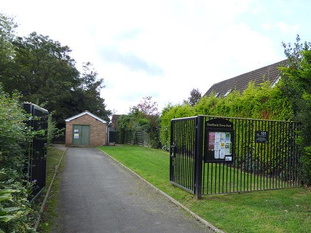 Entrance to Sandbach Park from Adlington Drive
