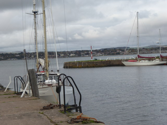'Violante' docked in Tayport Harbour