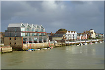 TQ0202 : Waterside housing, Littlehampton by Robin Webster