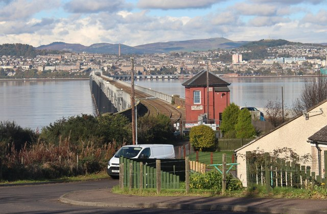 The Tay Bridge from Bridgehead Place
