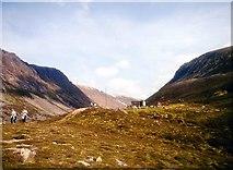 NH9503 : Sinclair Memorial Hut by Alan Reid