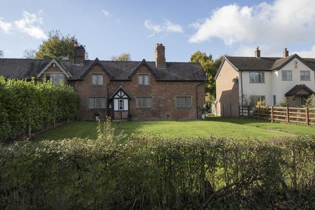 Quaint cottages in Longford