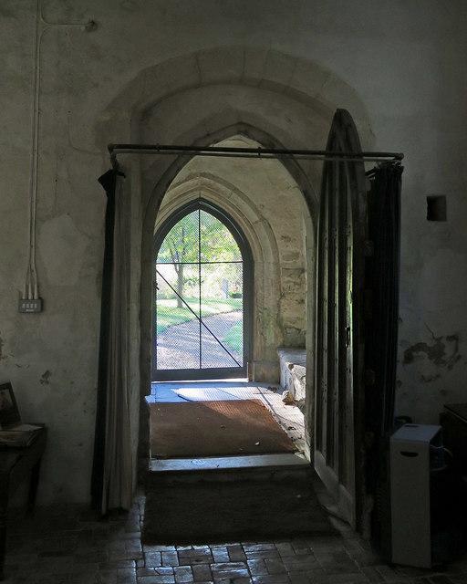 Newnham: St Vincent - south door and porch