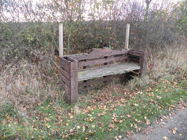 Wayside bench (?) on Pathfinder Walk