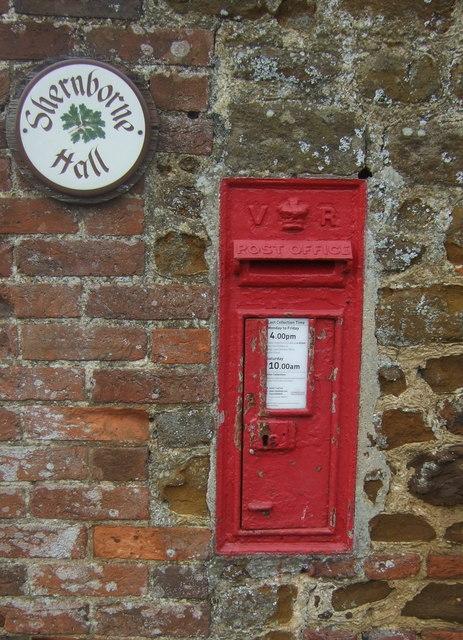 Victorian postbox, Shernborne Hall