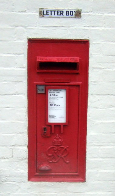 George VI postbox on Burnham Road, Stanhoe