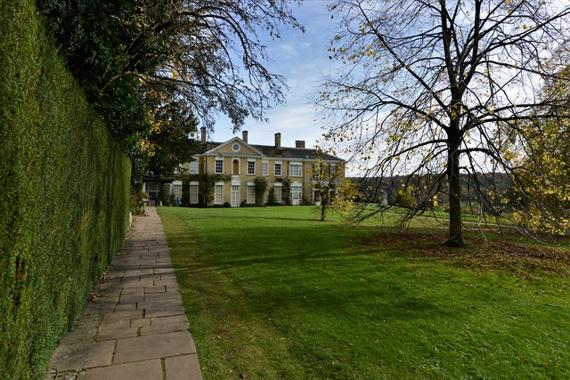 Polesden Lacey: Looking towards the house and west lawn