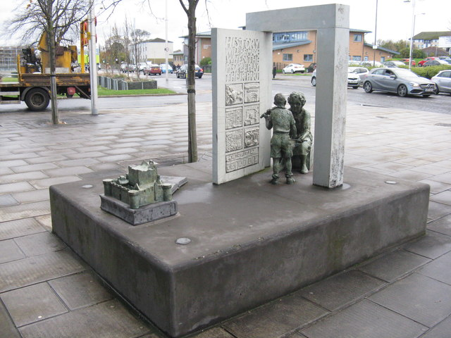 Memorial at Niddrie to Dr Helen Crummy