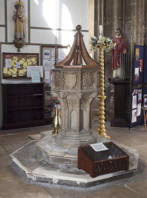 St Giles, Norwich - Font