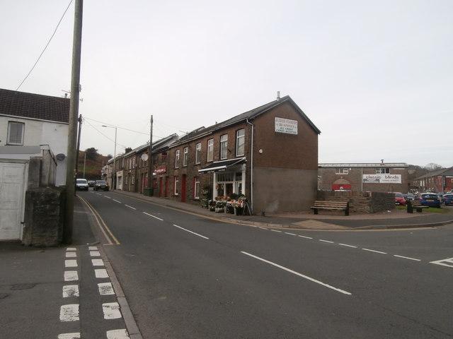 Shops and houses, Waunrhydd Rd, Tonyrefail