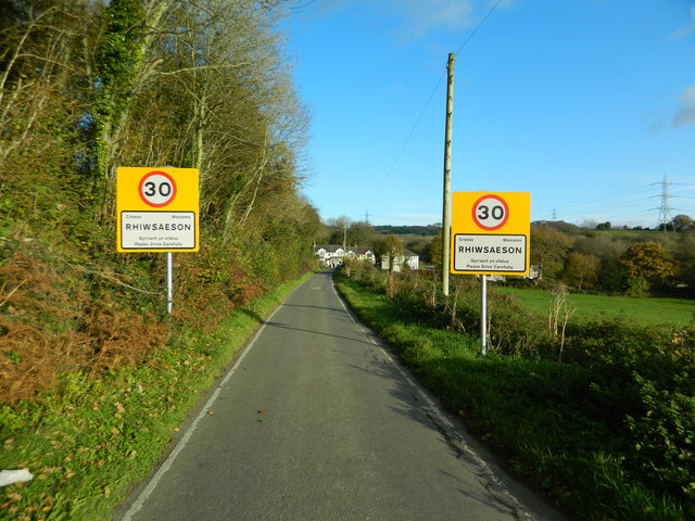 Rhiwsaeson Rd, approaching Rhiwsaeson from the west