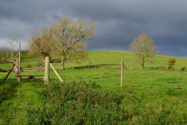 Footpath entrance near Cromhall
