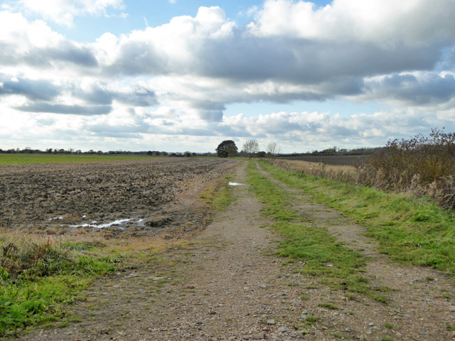 Farm track running west from Croxton - Toseland road