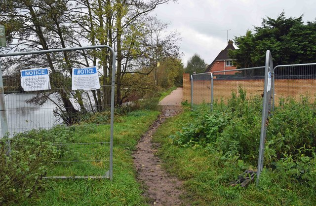 Start of closed section of Thames Footpath, Gossmore Recreation Ground, Marlow, Bucks