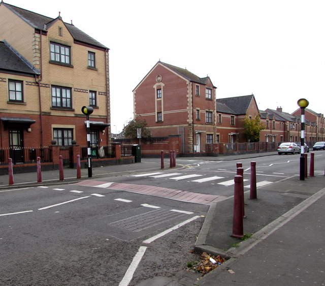 Zebra crossing on a hump, Commercial Road, Newport by Jaggery