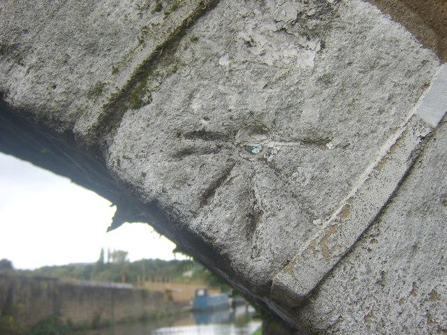 OS 1GL Bolt, Junction Bridge 208, Leeds & Liverpool Canal