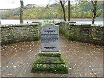 SK1789 : Memorial to a sheepdog alongside Derwent Reservoir by Marathon