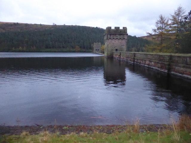 Howden Reservoir and Dam
