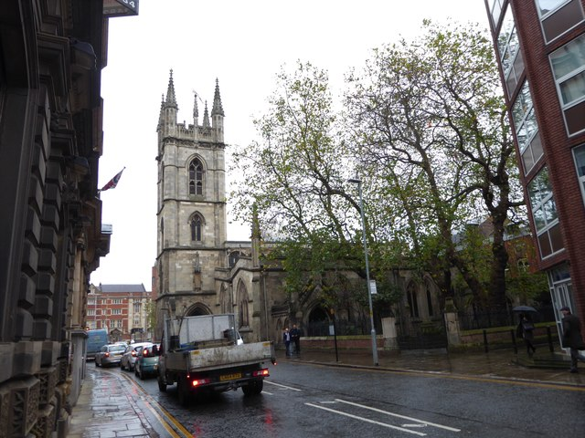 Approaching St Mary's in Lowgate