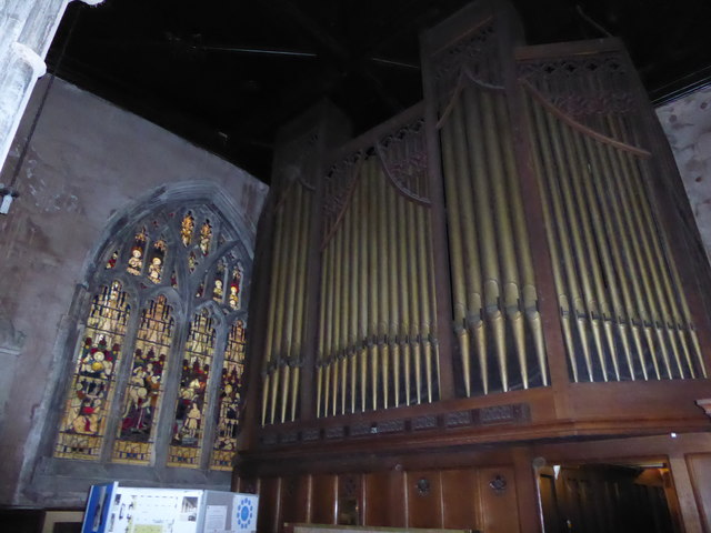 St Mary Lowgate: organ