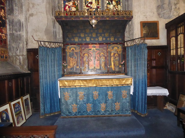 St Mary Lowgate: altar