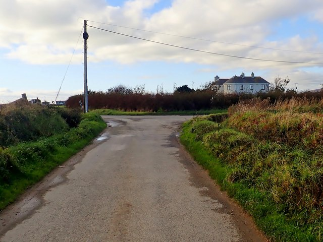 Junction on a bend in the Templetown Road