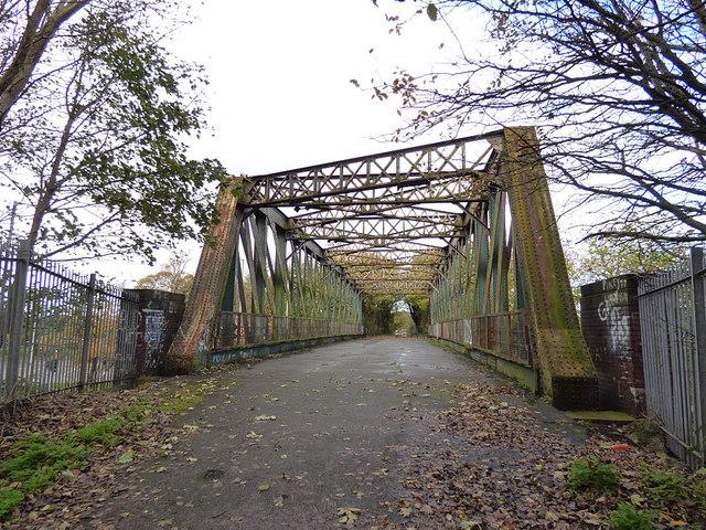 Bridge over Walton Hall Avenue