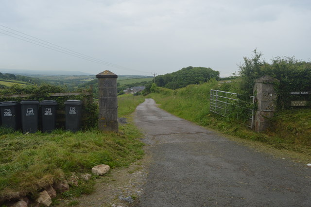Farm track to Coombe Farm