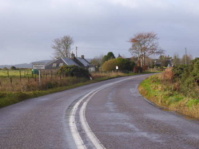 Approaching Rickarton from the east