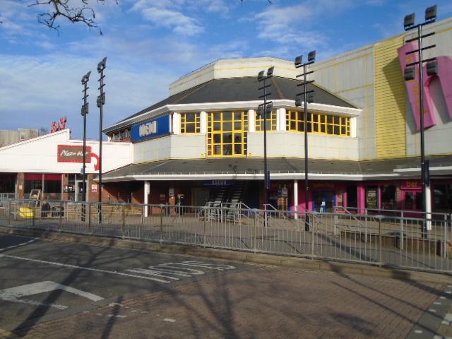 The Point Cinema Bowling Pizza Hut Sam Cc By Sa20