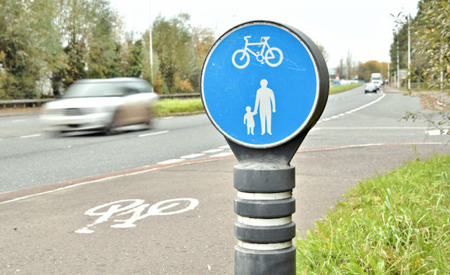 Foot and cycle path, Ballymaghan, Belfast (November 2017)