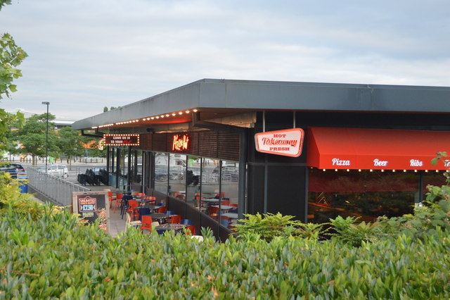 Pizza Hut Cambridge Retail Park N Chadwick Cc By Sa20