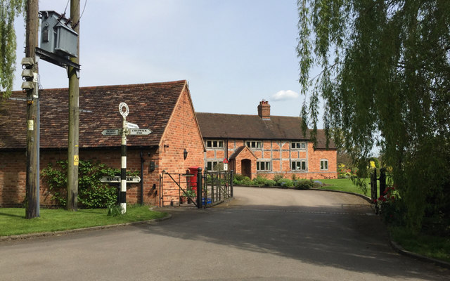 A glimpse of Manor Farm, Chadwick Lane