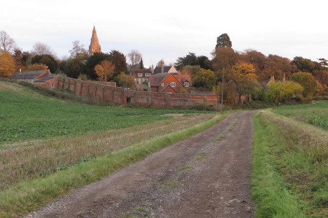 Farm track to wards Pavenham
