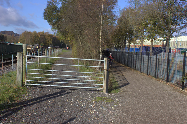 Path and cycle route at Rowsley South