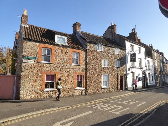 Priest Row and the Globe Inn, Wells