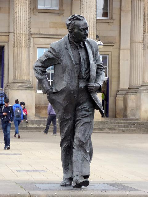 Harold Wilson statue - Huddersfield