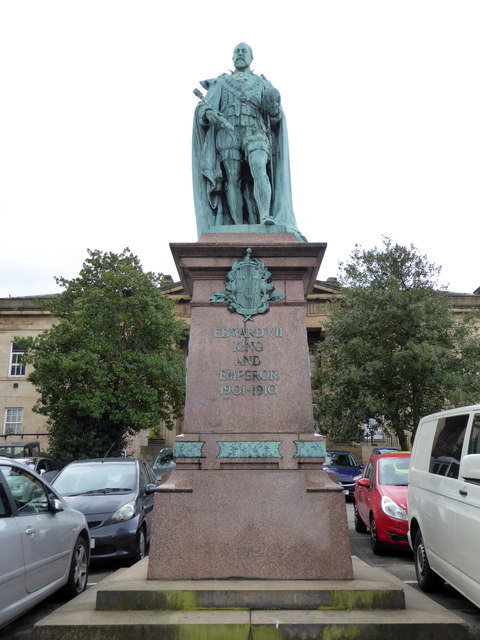 Statue of Edward VII - Huddersfield