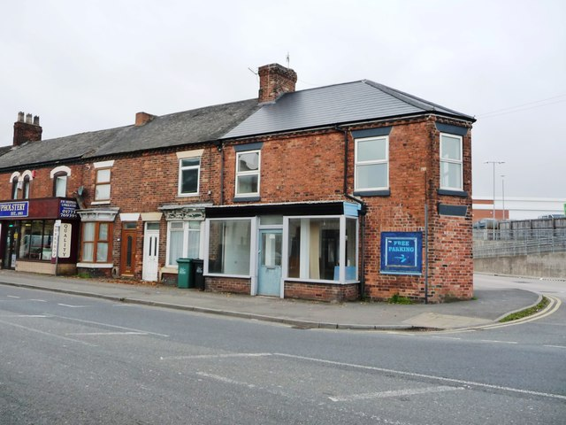 Houses and empty shop, Langley Mill