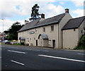 ST2583 : Grade II listed Coach & Horses, Castleton by Jaggery