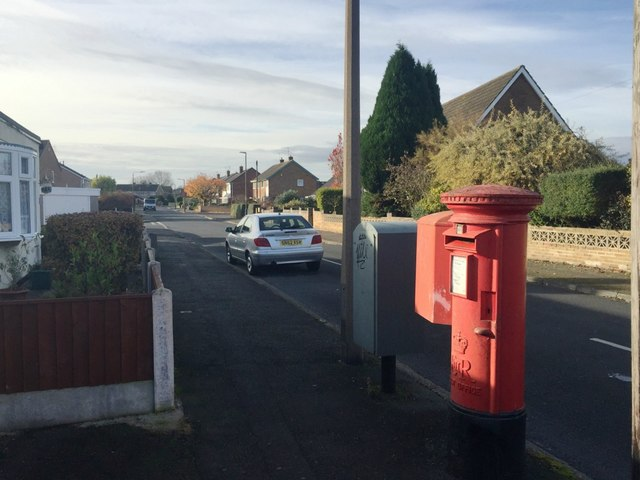 Lodge Road and postbox NG10 37D, Long Eaton