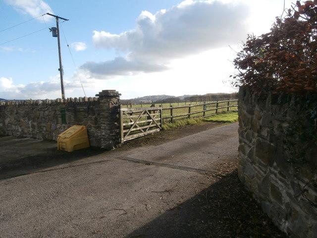Entrance to Coedcae-mawr Farm