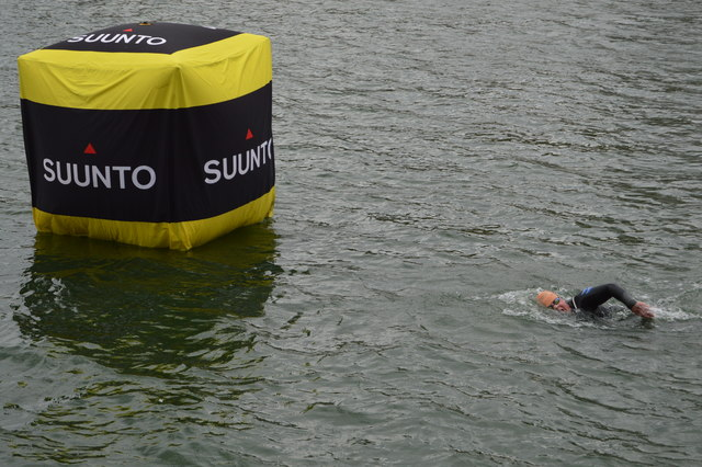 Approaching a buoy