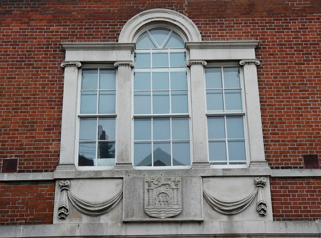 Venetian window and arms, Bridport town hall