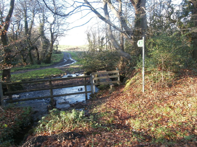 Start of footpath to Llwynau Farm