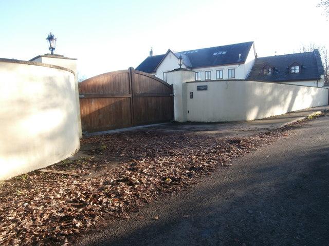 Entrance to Tyclwyddau Farm