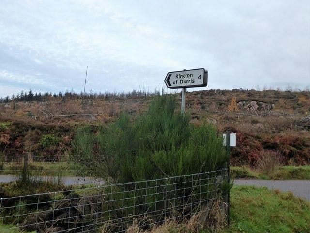 Kirkton of Durris sign post (2017)