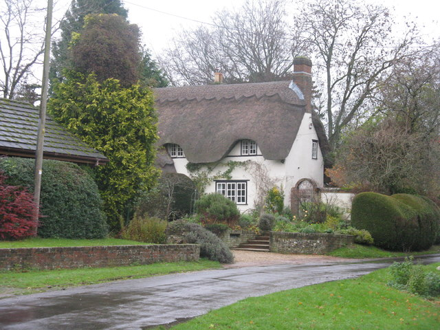 Thatched cottage at Braishfield