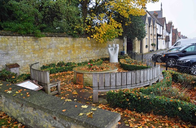 Thame Youth Memorial Garden (1), Upper High Street, Thame, Oxon